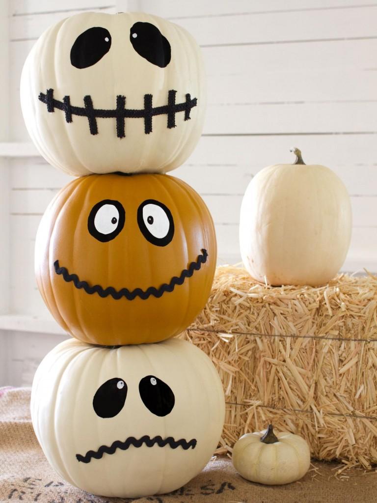 original_Layla-Palmer-Halloween-Jack-O-Totem-Beauty_s3x4.jpg.rend.hgtvcom.1280.1707