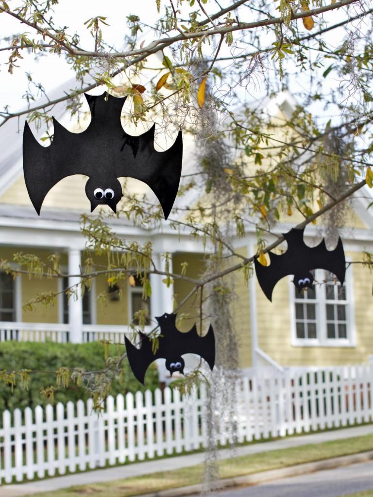 original_Layla-Palmer-Halloween-hanging-bats-beauty1_3x4.jpg.rend.hgtvcom.1280.1707