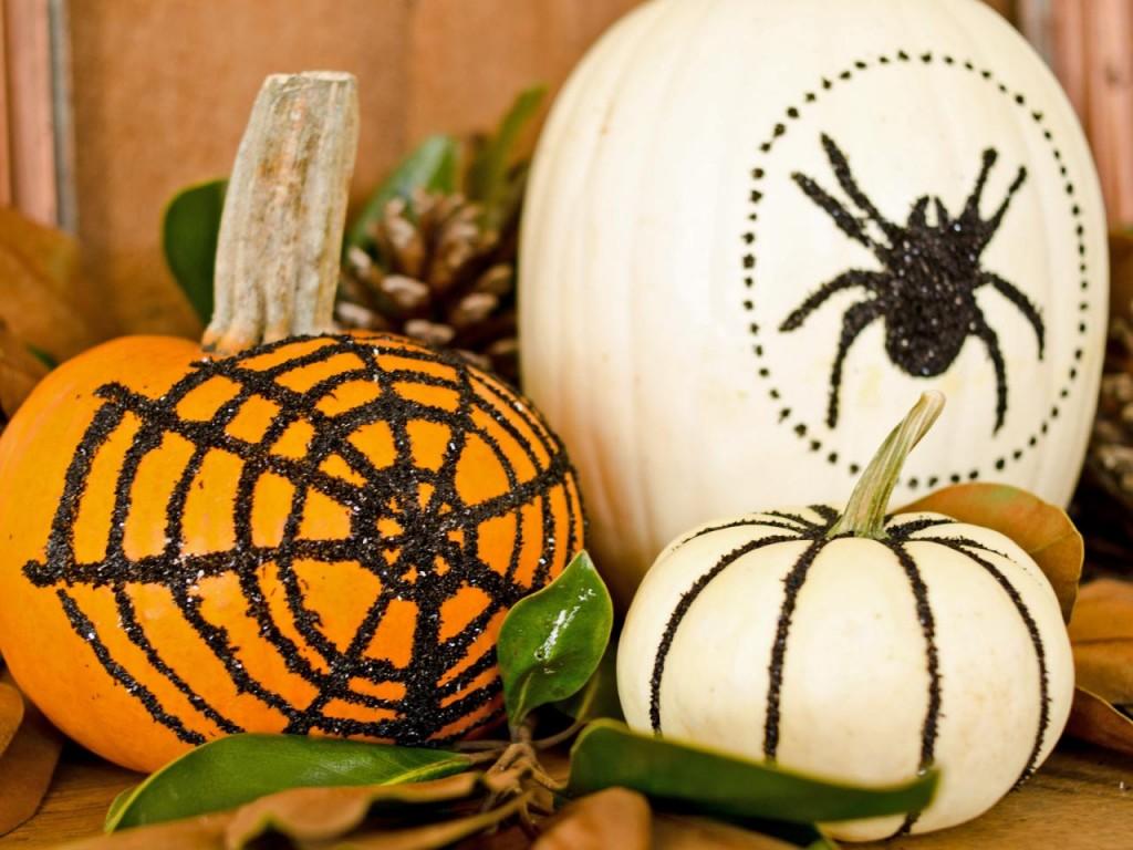 original_Marian-Parsons-Halloween-glittered-pumpkins-beauty_4x3.jpg.rend.hgtvcom.1280.960