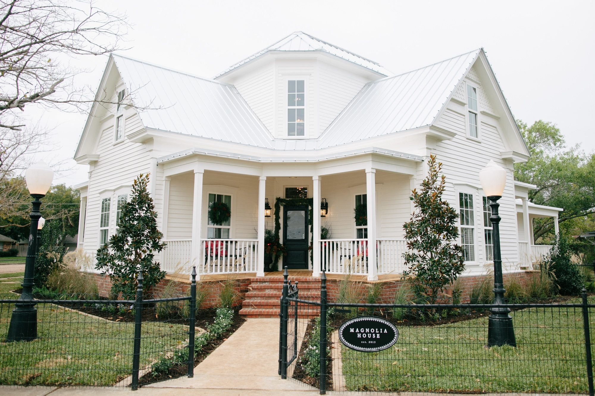 Magnolia house the new b b by fixer upper for Joanna gaines home designs