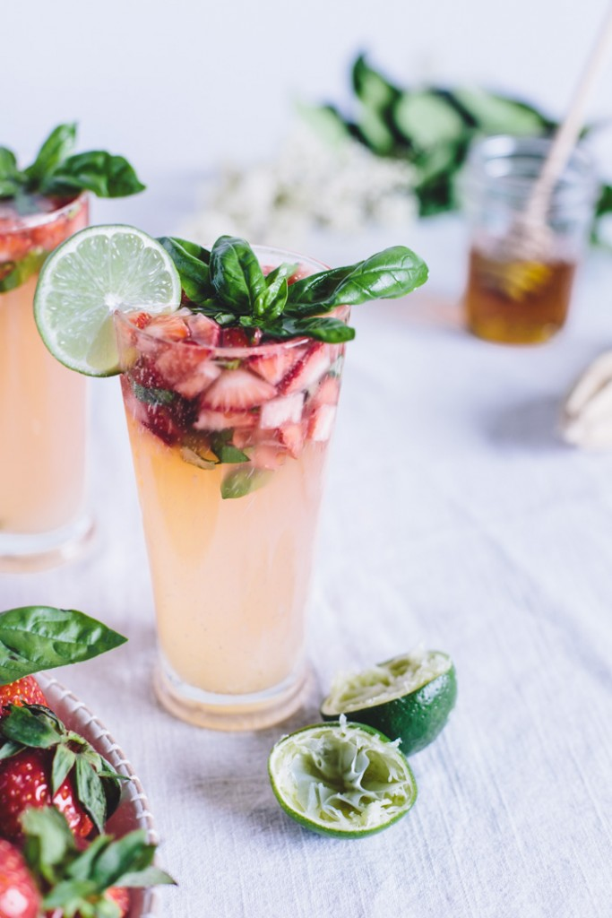 Honey-Sweetened-Limeade-with-Strawberries-and-Basil-14190