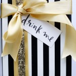 5 Ways to Add Glamour to Your Holiday Gifts