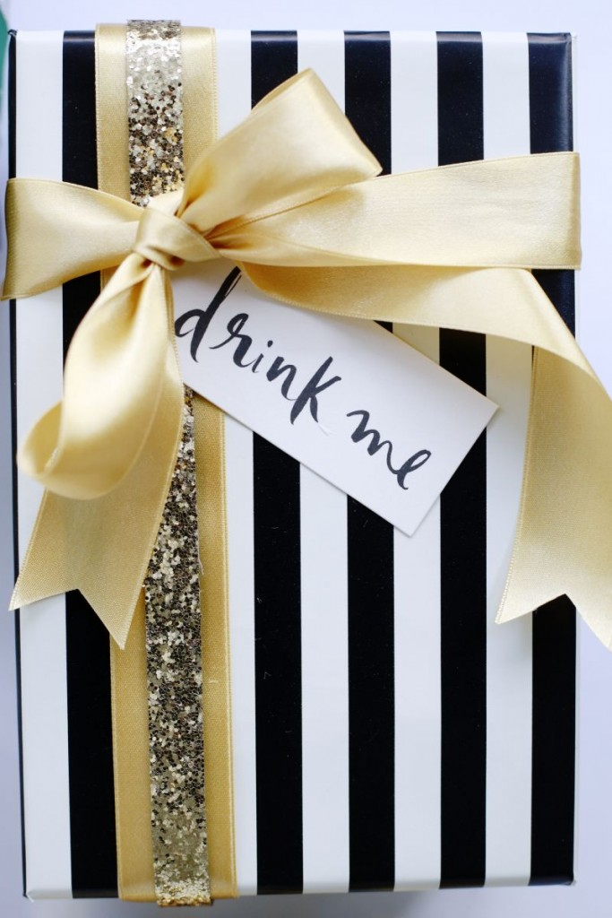 the-everygirl-how-to-make-your-presents-look-glamorous-wrapping-4