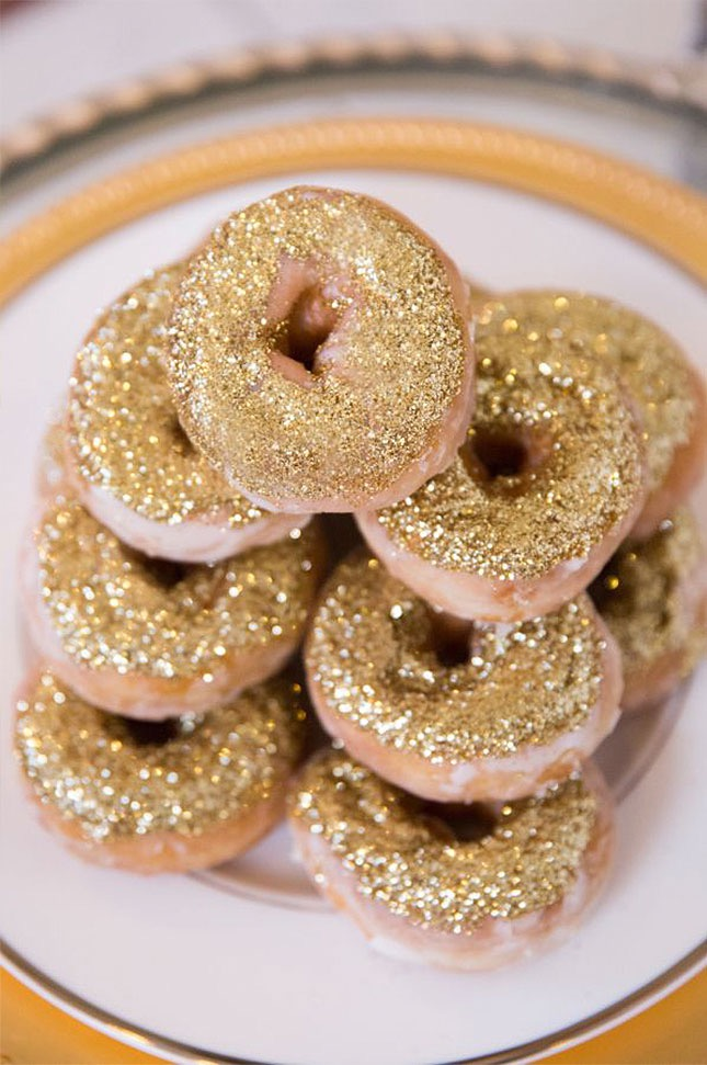 3-gold-donuts