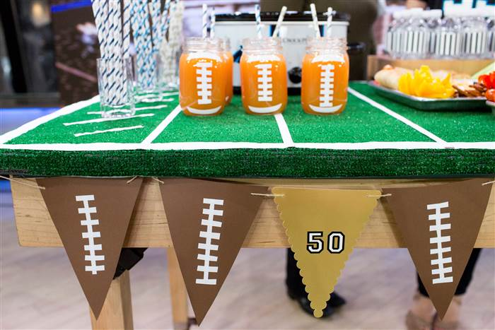 home-maureen-petrosky-super-bowl-party-today-160204-01_9522095b34600b3eed1ac178910d258e.today-inline-large