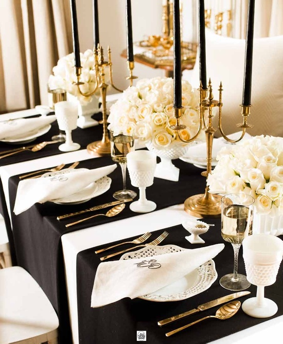 gold-and-black-oscar-party-table