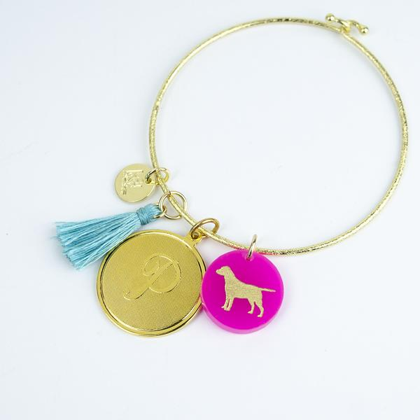 nora_bangle_with_pet_charm_7616f5ab-49ec-46bc-b877-5215fe818daf_grande