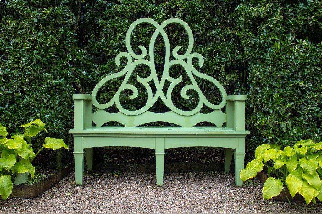 the parterre bench by bettie bearden pardee rh prettypinktulips com parterre garden furniture Parterre Landscaping